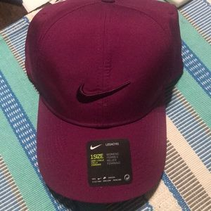 NWT Nike women's burgundy hat legacy 91 dri-fit
